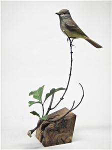 LIFE-SIZE GREAT CRESTED FLYCATCHER
